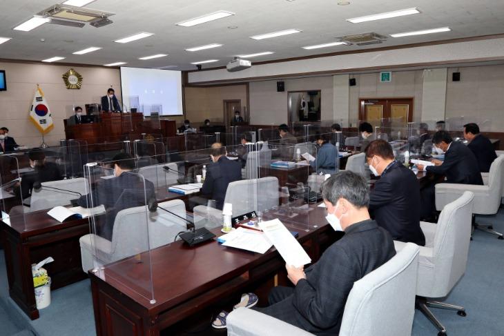 제206회 상주시의회 임시회 개회 (1).JPG