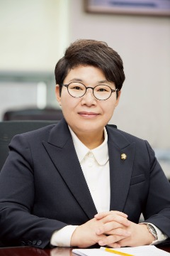 임이자 국회의원님 프로필 사진.jpg
