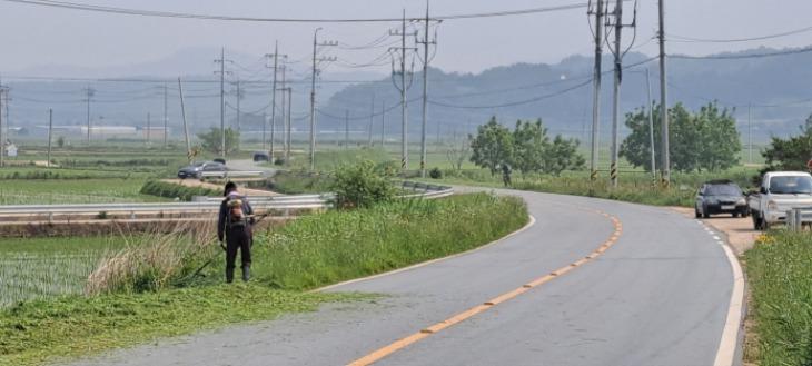 [계림동]깨끗한 도로 조성 교통안전 시민행복.jpg